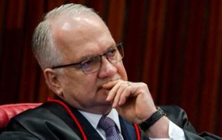 Ministro Fachin envia ao plenário do STF pedido para suspender inquérito das fake news