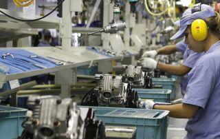 Confiança da indústria recua na prévia de setembro