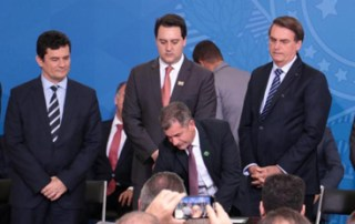Bolsonaro lamenta aumento de homicídios em São José dos Pinhais