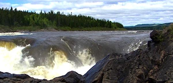 hi-muskrat-falls-river-2012-8col