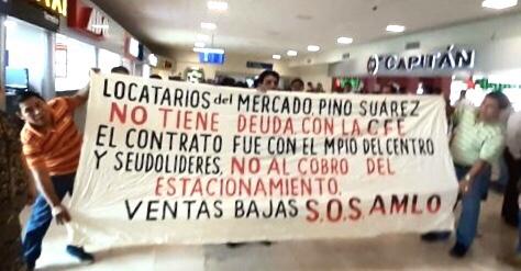 Photo of Antes recibían con júbilo a AMLO, ahora con quejas contra autoridades