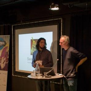 Swen-Vincke-(Larian-Studios)-en-Rami-Ismail-(Vlambeer,-host-van-de-Design-Track)