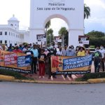 Realizan protestas en 100 esquinas exigiendo la eliminación de las ARS y AFP