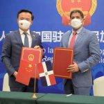 China dona US$100 mil dólares a República Dominicana
