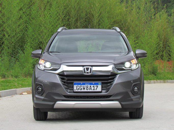 Visão frontal do    Honda WR-V EXL