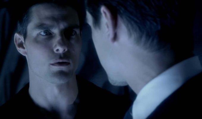 Minority Report film review Tom Cruise