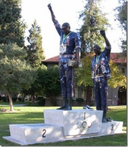 tommie-smith-john-carlos-san-jos-state-university-statue2a-thumb-261x300