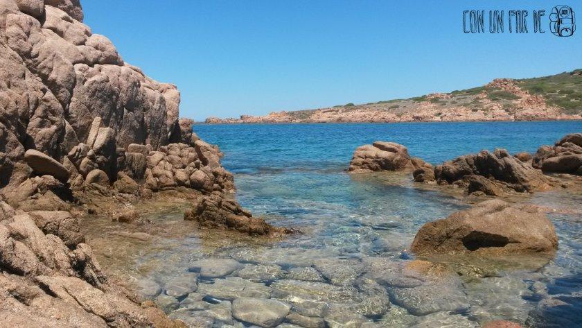 Aguas cristalinas en Isola Rossa