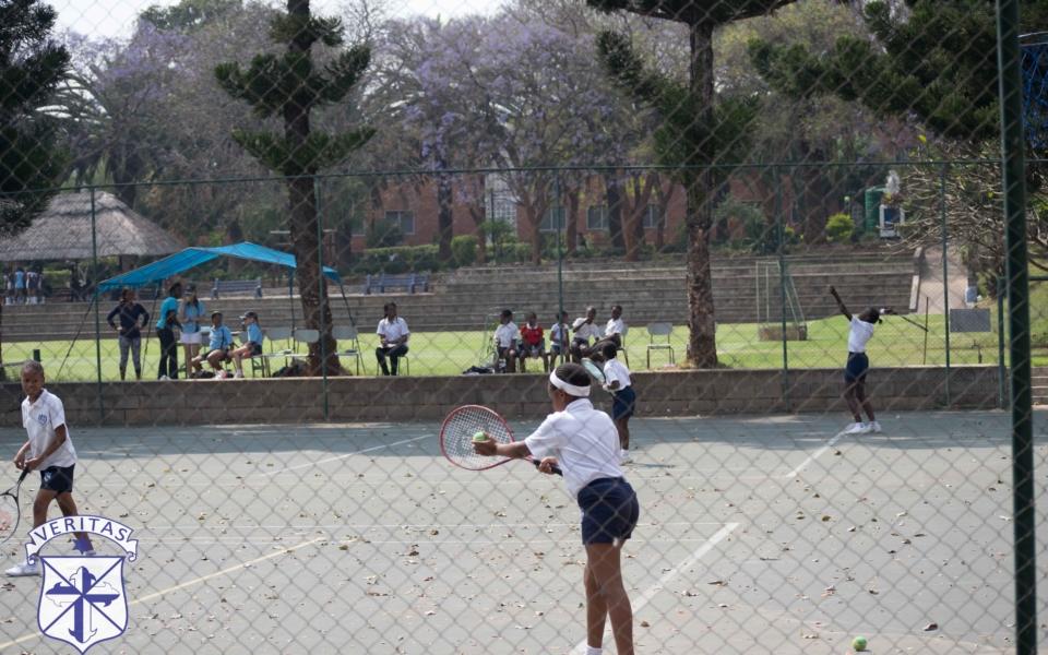 tennis-vs-vicfalls-16