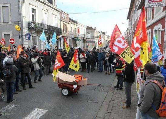 images-sudouest-fr-lors-d-une-manifestation-des-cheminots-en-janvier
