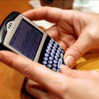 ¿SE DEBE PROHIBIR EL USO DE TELÉFONOS MÓVILES EN LOS INSTITUTOS?