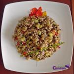 Trigo sarraceno (Fagopyrum esculentum) con pimiento, calabacín y aceite de coco