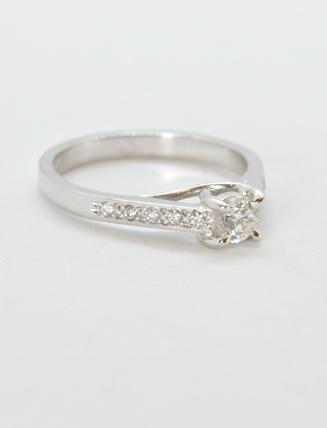18k White Gold Diamond Engagement Ring .35 carat