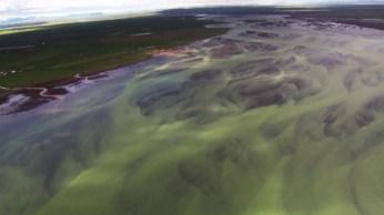 Uitzicht mineralen vanuit de helikopter, IJsland. Puur geluk, RTL4, Endemol, Staatsloterij, IJsland, Dimitri, Inge van Dillen