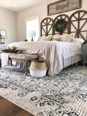 Amazing Rustic Farmhouse Master Bedroom Ideas 34
