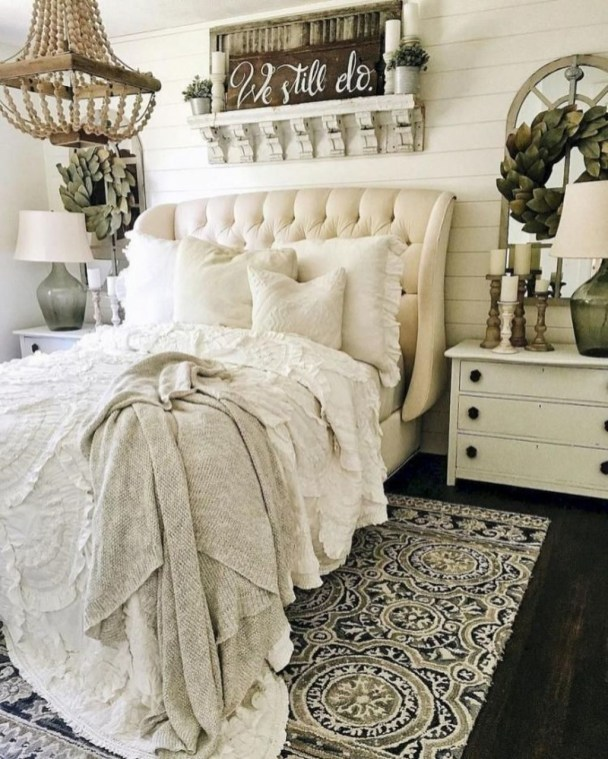 Amazing Rustic Farmhouse Master Bedroom Ideas 46