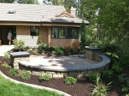 Gorgeous Front Yard Courtyard Landscaping Ideas 29