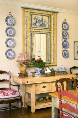 Incredible Fancy French Country Dining Room Design Ideas 26