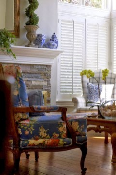 Incredible Fancy French Country Dining Room Design Ideas 43
