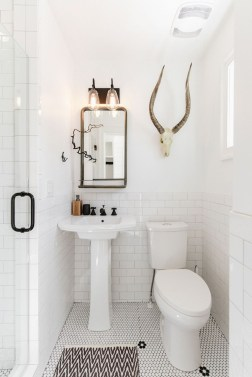 Modern Farmhouse Bathroom Remodel Ideas 17