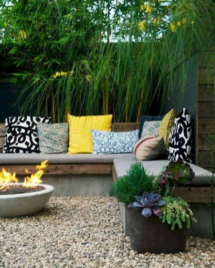 Amazing Backyard Seating Design Ideas 49