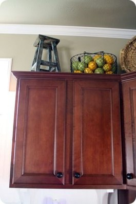 Awesome Decorating Above Kitchen Cabinets 33