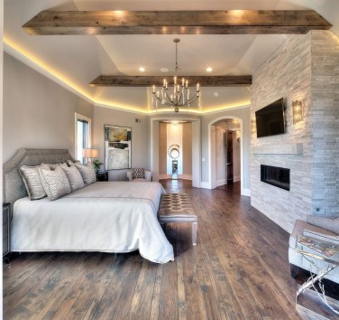 Awesome Farmhouse Style Master Bedroom Ideas 12