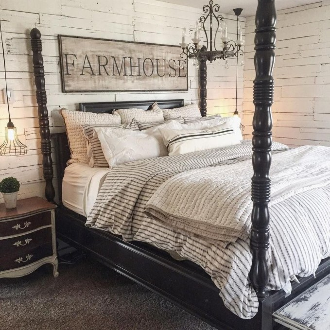 Awesome Farmhouse Style Master Bedroom Ideas 45