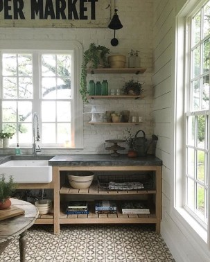 Cool Rustic Farmhouse Kitchen Ideas 32