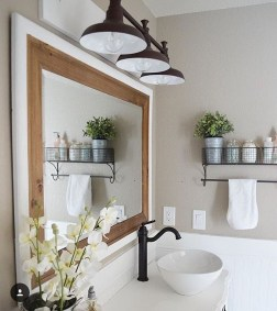 Gorgeous Rustic Farmhouse Bathroom Decor Ideas 11