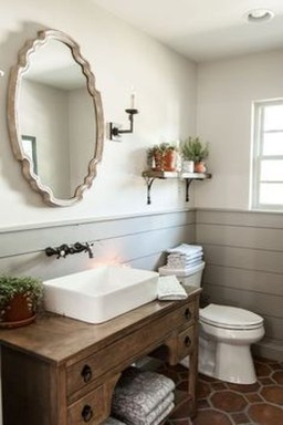 Gorgeous Rustic Farmhouse Bathroom Decor Ideas 18