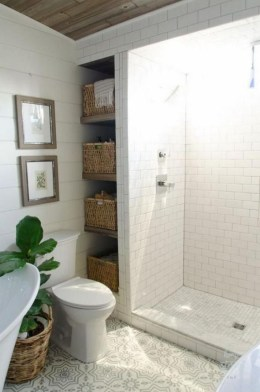 Gorgeous Rustic Farmhouse Bathroom Decor Ideas 26
