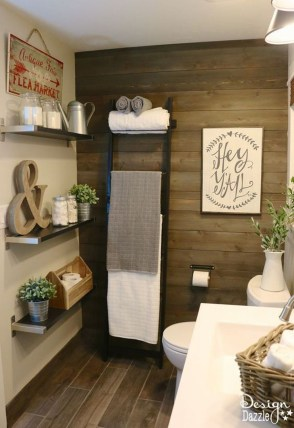 Gorgeous Rustic Farmhouse Bathroom Decor Ideas 43