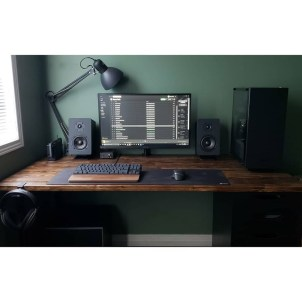 Unique Gaming Desk Computer Setup Ideas 11