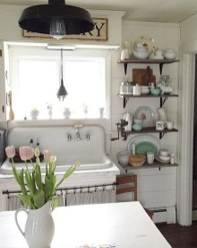 Charming Antique Farmhouse Decoration Ideas 01