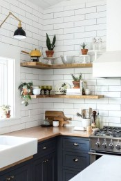 Cute Farmhouse Kitchen Backsplash Ideas 22