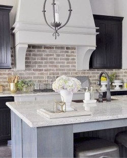 Cute Farmhouse Kitchen Backsplash Ideas 37