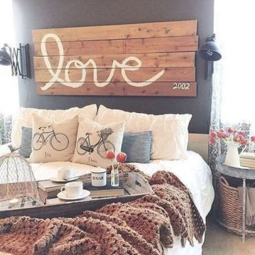 Inspiring Modern Farmhouse Bedroom Decor Ideas 26