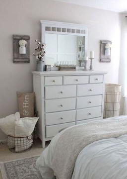 Inspiring Modern Farmhouse Bedroom Decor Ideas 35