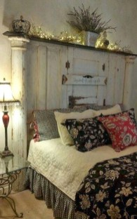 Inspiring Modern Farmhouse Bedroom Decor Ideas 47