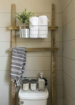 Lovely Farmhouse Bathroom Accessories Ideas 27