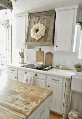 Magnificient Rustic Country Kitchen Ideas To Renew Your Ordinary Kitchen 24