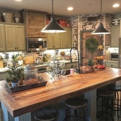 Magnificient Rustic Country Kitchen Ideas To Renew Your Ordinary Kitchen 38