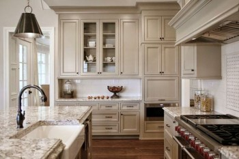 Stunning Farmhouse Kitchen Color Ideas 57