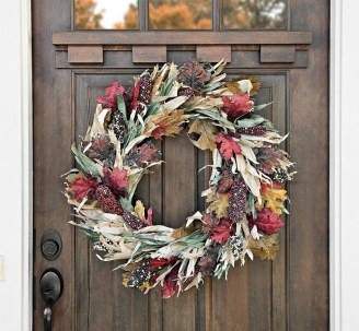 Stylish Fall Wreaths Ideas With Corn And Corn Husk For Door 07