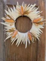 Stylish Fall Wreaths Ideas With Corn And Corn Husk For Door 35