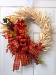 Stylish Fall Wreaths Ideas With Corn And Corn Husk For Door 37