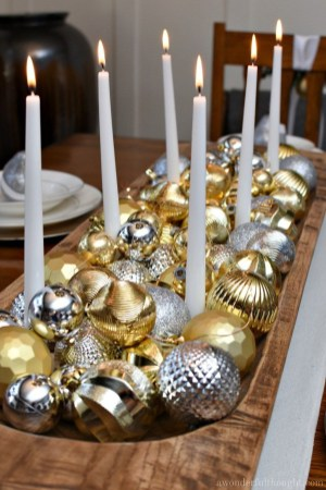 Adorable Gold Christmas Decoration Ideas 44