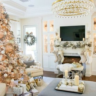 Amazing Gold Christmas Decoration Ideas 02