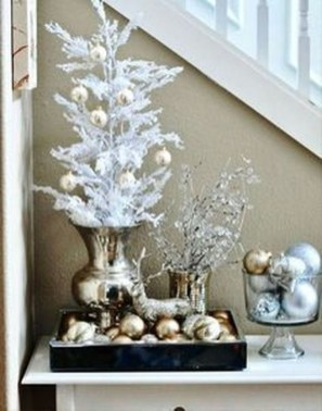 Amazing Gold Christmas Decoration Ideas 06